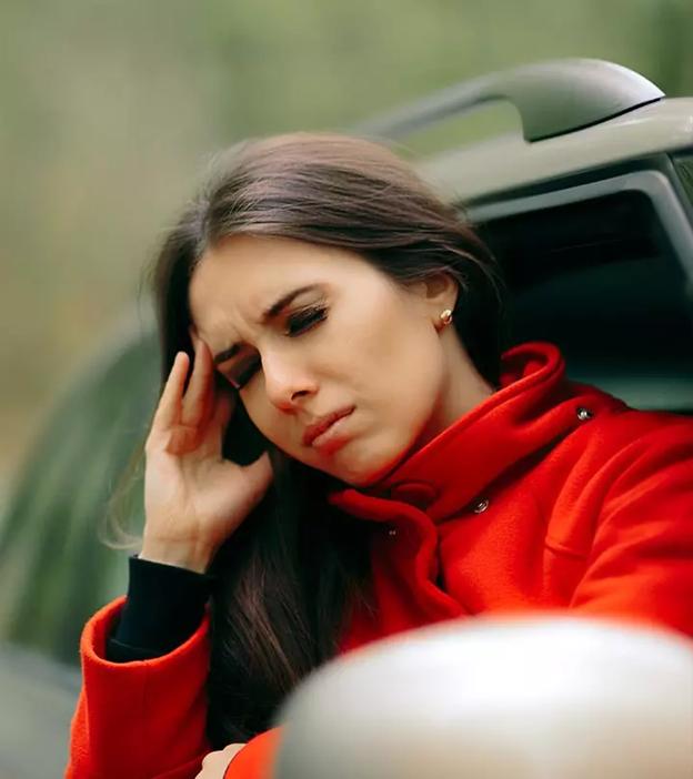 Triệu chứng đầu tiên của say xe là đau đầu và chóng mặt